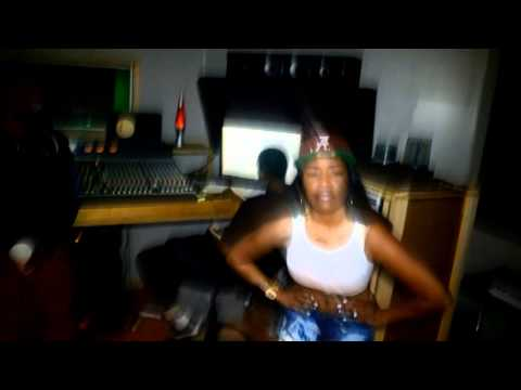 "Bianca Clarke ""Bigger"" Ft. Spank Lee (In Studio Video)"
