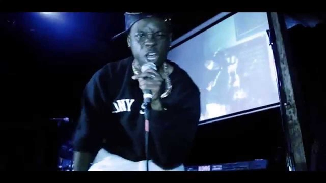 Tony Staxx – Gold Chainz